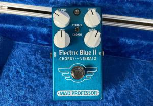 Mad Professor Amplification: Electric Blue II Chorus - Vibrato